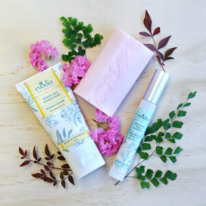 luxurious floral, frangipani, boronia and jasmine gift pack
